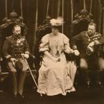 O Imperador Guilherme II da Alemanha e Rei da Prússia ao lado dos Monarcas Portugueses